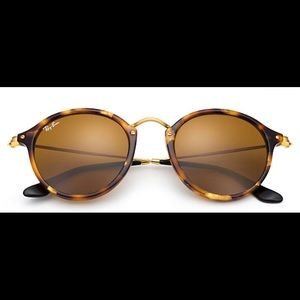 Round Tortoise Shell Ray Bans with Protective Case